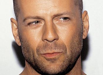 Bruce Willis sem tudja, mi van Demivel?