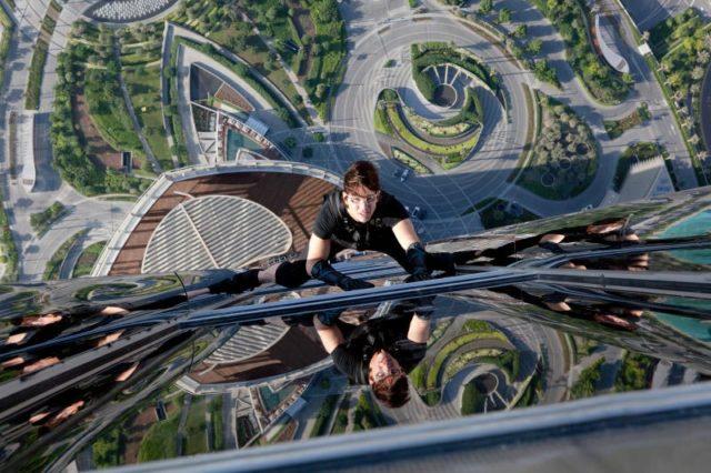 Svéd bombázó és Alex Baldwin a Mission: Impossible 5-ben