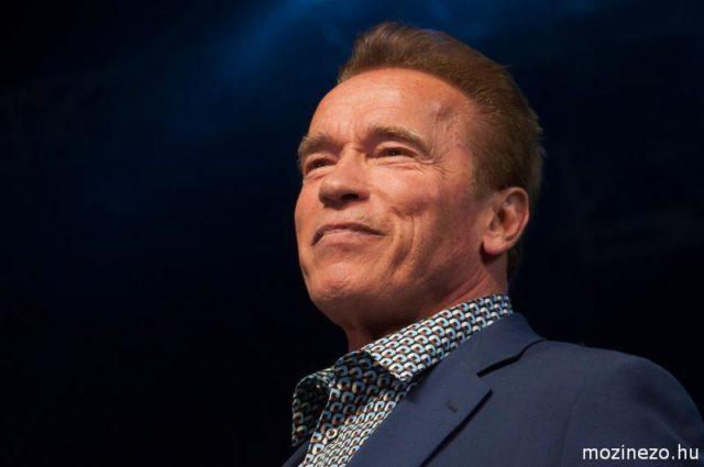 Arnold Schwarzenegger videó üzenete: Az igazi akcióhősök, Maradj otthon!