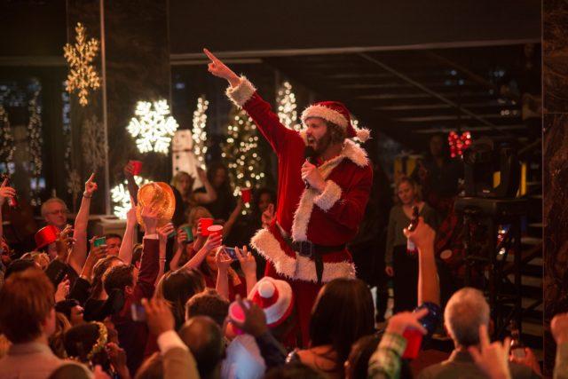 Hivatali karácsony (Office Christmas Party)