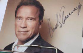 Arnold Schwarzenegger aláírás