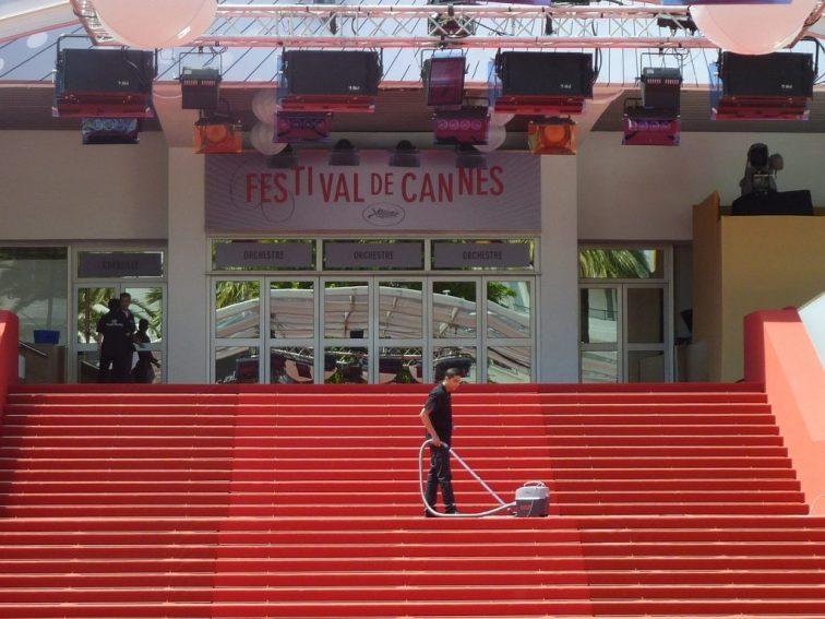 Cannes – A fesztivál versenyprogramjában mutatják be Paul Verhoven legújabb filmjét