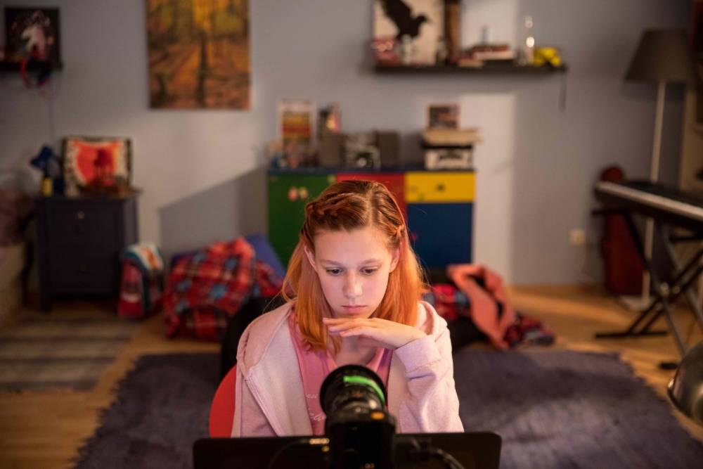 Az online gyermekbántalmazás sötét világa: Csapda a neten